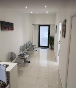 salle d'attente dentiste 13009